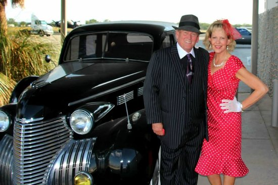 Hangar Hotel: Dressed for the 1940's dance