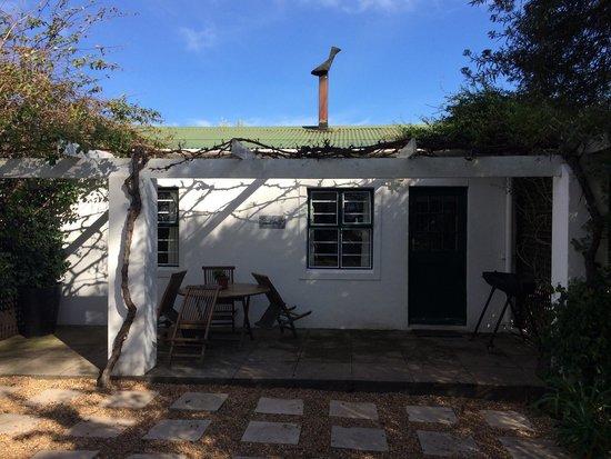 Riverside Cottages at La Bourgogne : Oakleaf cottage