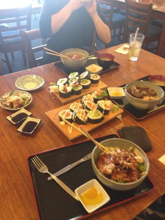 Yamato Japanese Restaurant: We were so hungry..������