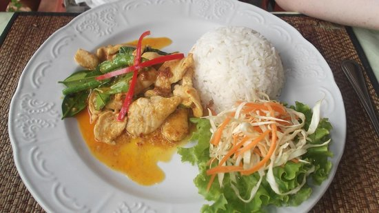 Sugar and Spice - Casa del Sol Kata Beach : Light yellow curry chicken