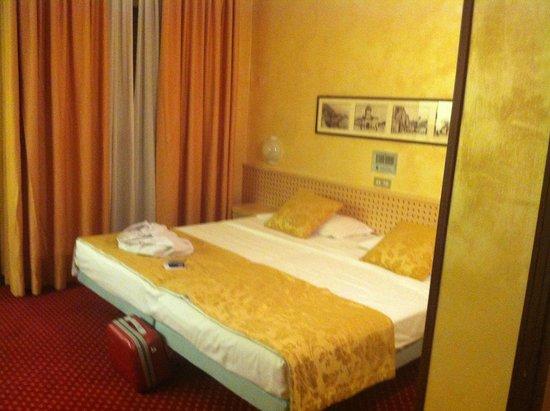 Hotel Oliveto Lago di Garda - Desenzano : Letto