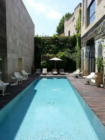 Riad Fes - Relais & Chateaux : View of the pool