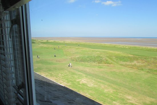 Leasowe Castle Hotel: Sea view from bathroom