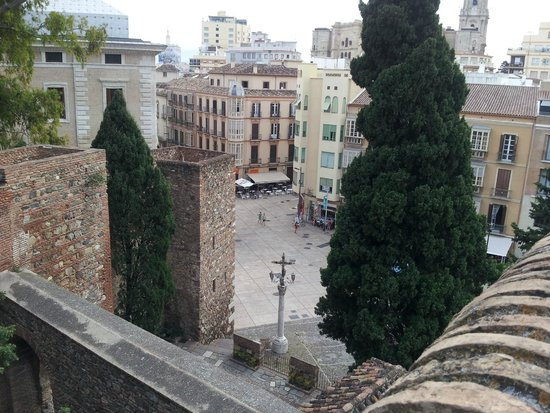 Alcazaba (fort) : Malaga City from walls