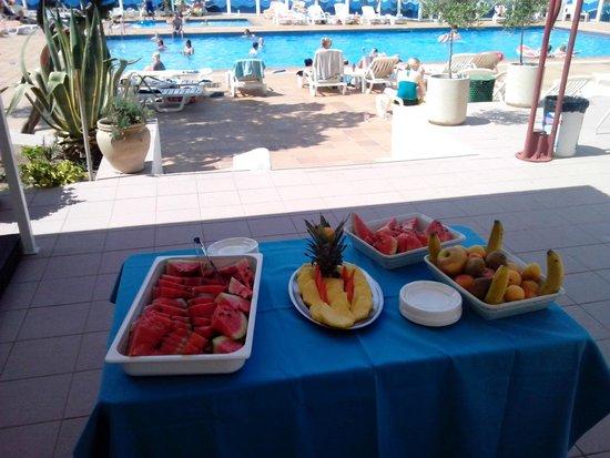 Hotel Playasol Riviera: fruit service