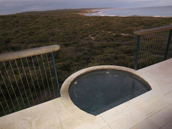 Southern Ocean Lodge: Room 1 Outdoor Spa View