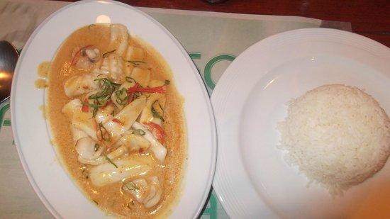 Eightfold Restaurant: Panang seafood curry