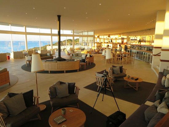 Southern Ocean Lodge : Main Lounge Dining Bar Area