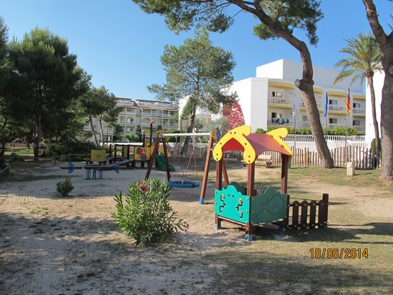 Iberostar Albufera Playa: Playground in front