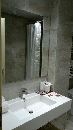 Alexander Hotel: banheiro