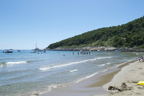 Lafodia Hotel & Resort: stranden Sunj