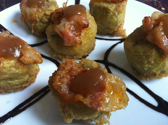 El Pañol: Alcachofas rellenas de jamón y foie, con salsa de manzana