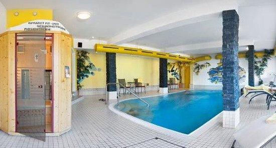Hotel Waldfriede: Hallenbad mit Infrarotkabine