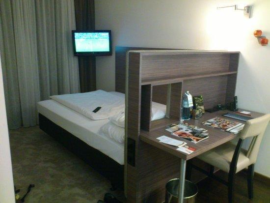 Arcotel John F: Interesting bed layout!