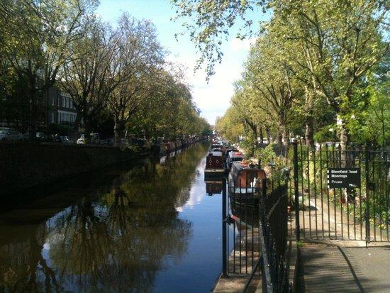 Regent's Canal: лодки вдоль канала