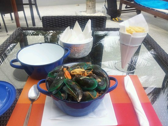 Tantawan Bungalow: The mussels you must try! Best in Thailand
