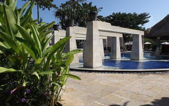 Rama Beach Resort and Villas: Pool at Rama Beach Resort