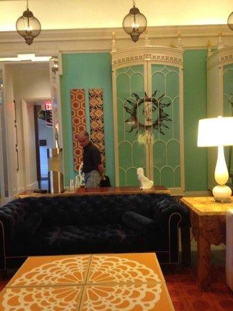 Kimpton Hotel Monaco Philadelphia: lobby decore