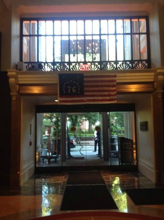 Kimpton Hotel Monaco Philadelphia: view from center entryway
