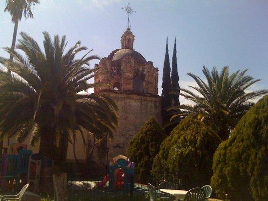 Mision Grand Juriquilla: VISTA PARTE TRASERA DE LA CAPILLA