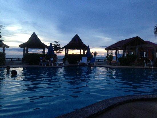 Blue Andaman Lanta Resort: vue depuis un transat