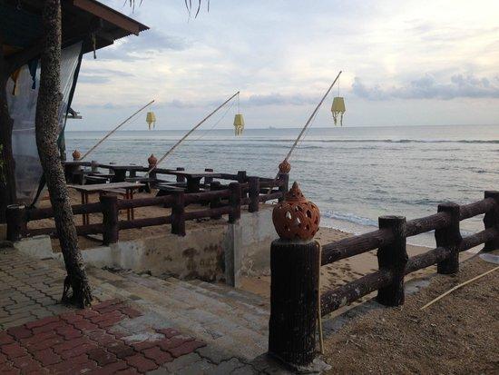 Blue Andaman Lanta Resort: accès à la plage