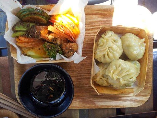 Photo of Asian Restaurant Momo at Rue Defacqz 27, Brussels 1050, Belgium