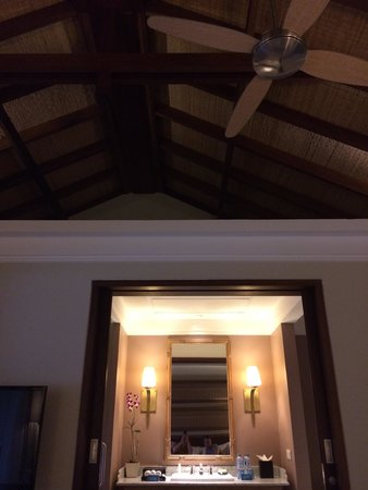 Sudamala Suites & Villas: Roof detail