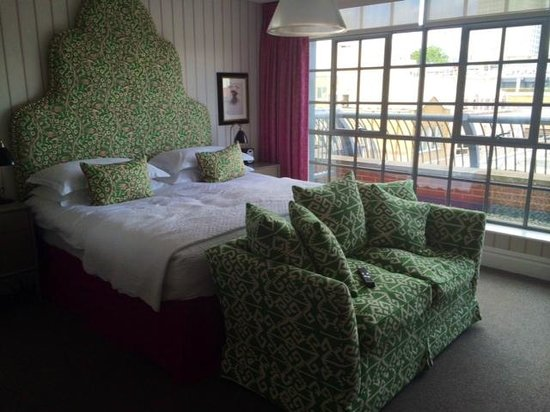 The Soho Hotel: Colourful, lively and the high beds are really comfy!