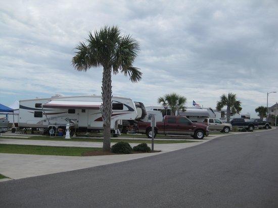 Pensacola Beach RV Resort: Premium Sites