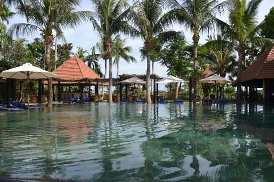 Anantara Hoi An Resort: Pool Facing The River