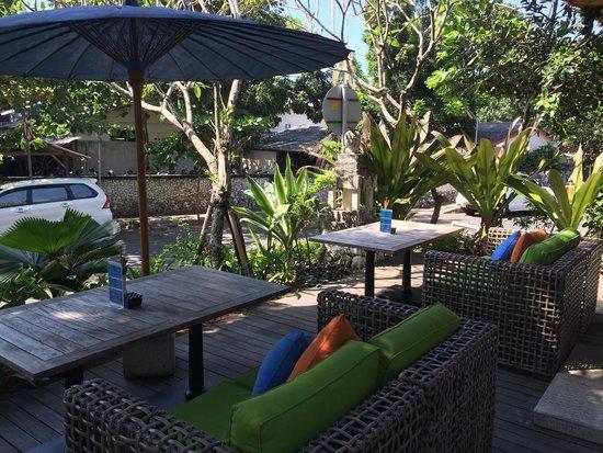 Sudamala Suites & Villas : Watch the world go by