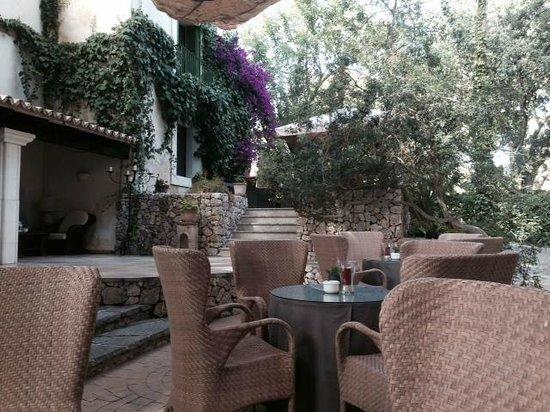 Lago Garden Hotel: Gartenbar
