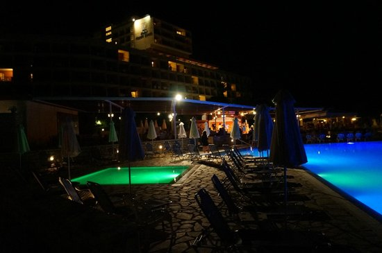 Sensimar Nissaki Beach by Atlantica: Piste de dance