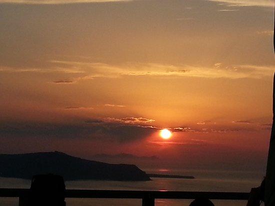Kapari Natural Resort: Sunset