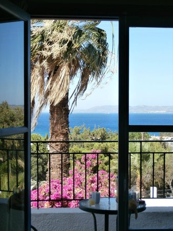 Finas Hotel Apartments: lovely view to wake up to