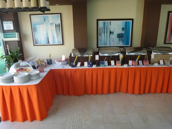 Ocean Two Resort & Residences: Buffet Breakfast Area