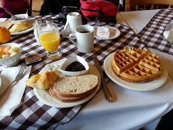 La Pourvoirie du Cap au Leste : petit dejeuné frugal