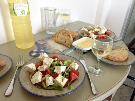 Almyrida Beach Hotel : Kitchen table