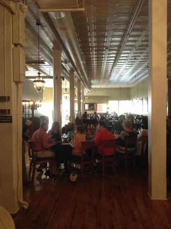 Scott's Downtown: Dining Room