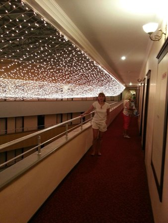 Dinler Hotels - Alanya: Ночная элюменация