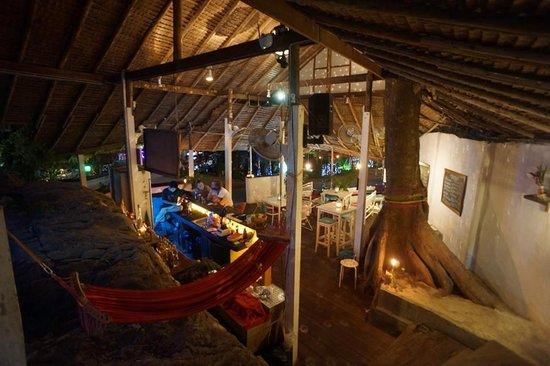 Margaritaville tropical bar restaurant picture of for Pub cash piscine