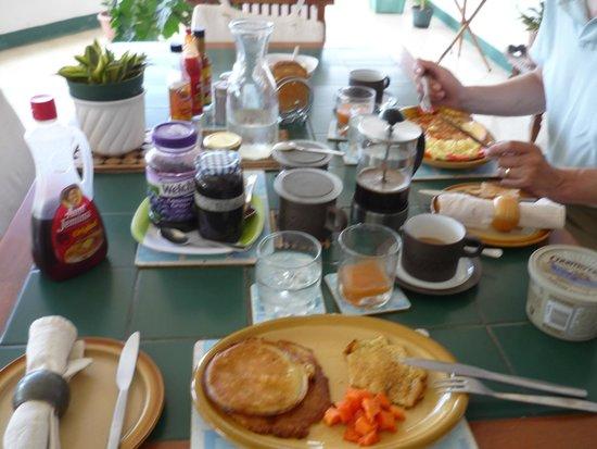 """Nuestra Casa"" Guesthouse : Frühstück (english, continental, jamaican...pancakes....)"