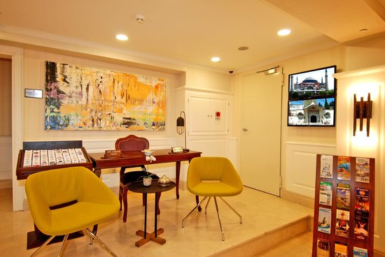 Dosso Dossi Hotel Old City: Guest Relation Desk