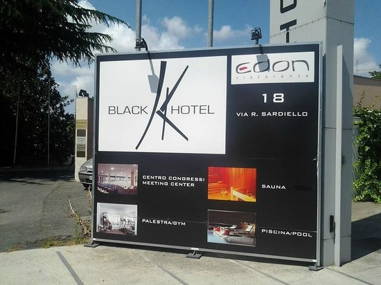 Black Hotel : Magnifico