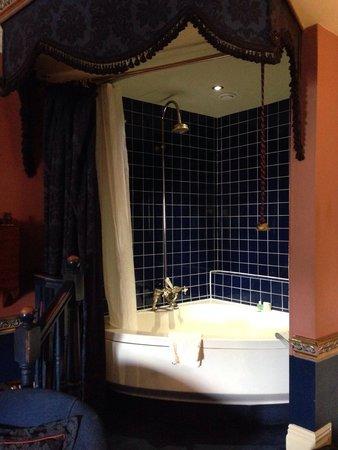 Coombe Abbey Hotel: Nice bubble bath
