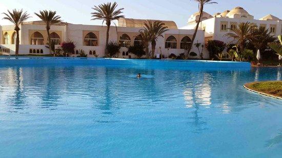 Palais des Roses: La piscine