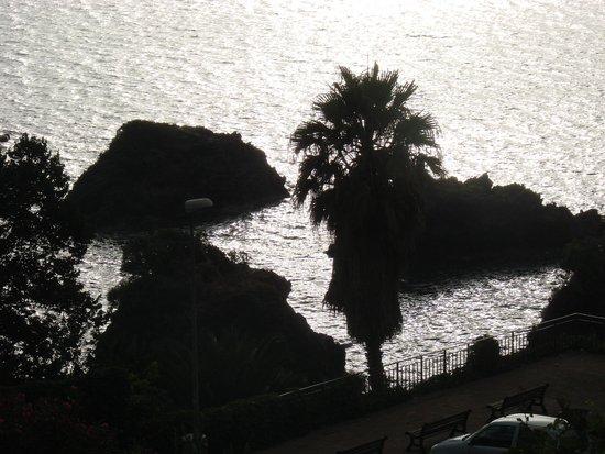 Scogliera all 39 alba picture of hotel giardino delle ninfe - Hotel giardino delle ninfe e la fenice ...