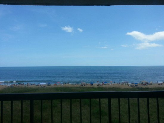 BEST WESTERN Ocean Reef Suites: Ocean view from hotel balcony.