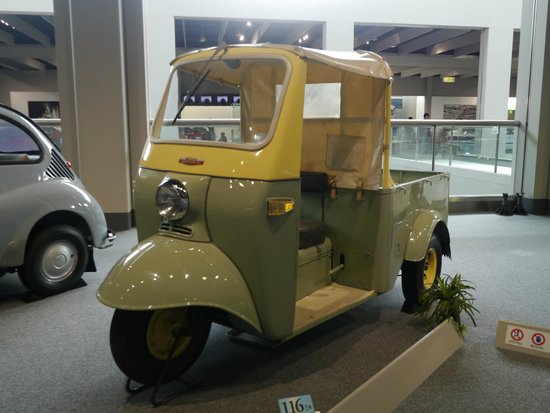 Toyota Commemorative Museum of Industry and Technology : 很可愛的小貨車